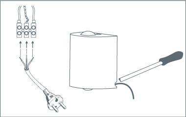 Krok 6. Podłącz kabel do lampy ściennej
